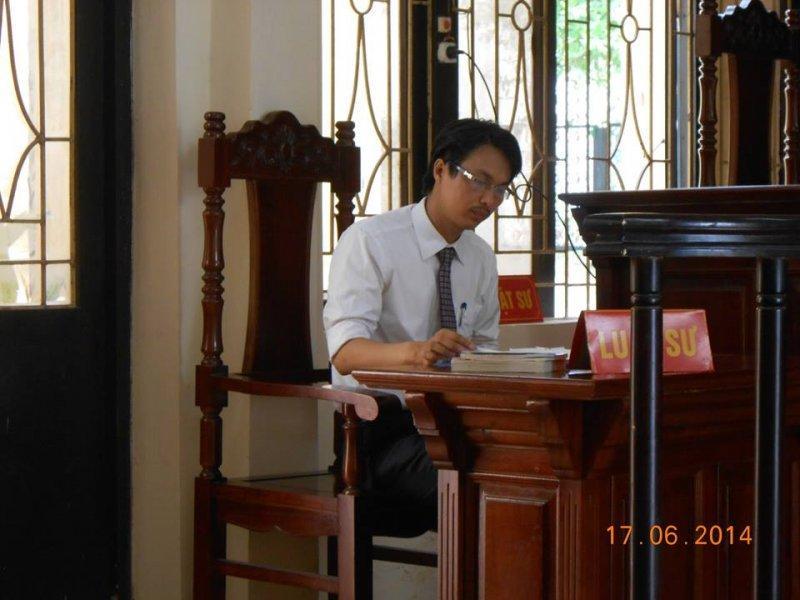Vai trò của luật sư (người bào chữa) trong giai đoạn xét xử sơ thẩm vụ án hình sự
